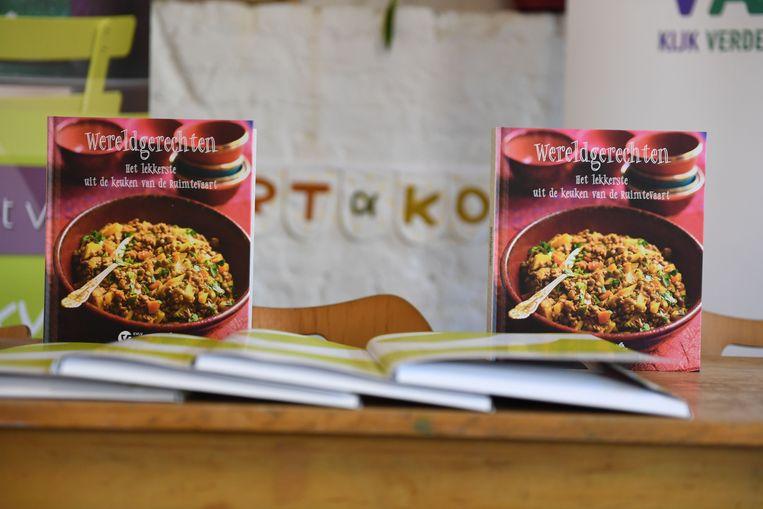 Het nieuwe kookboek 'Wereldgerechten - Het lekkerste uit de keuken van de ruimtevaart'