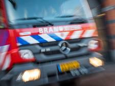 Brand verwoest schuur in Middelharnis, gebouw moet gesloopt worden