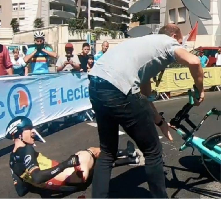'Na mijn val in de Tour zijn ze bij mijn operatie in een Frans ziekenhuis mijn pees 'vergeten' aan te hechten. Mijn carrière als topsporter was bijna voorbij geweest.' Beeld