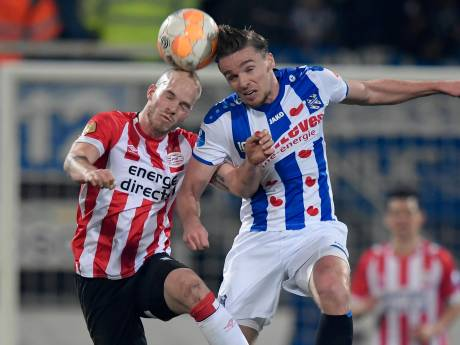 Kwetsbaar PSV voorkomt in extremis nederlaag in Heerenveen
