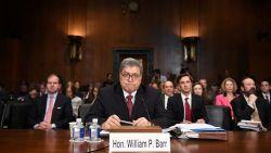 Amerikaanse justitieminister Barr verdedigt vrijpleiten Trump op basis van Mueller-rapport
