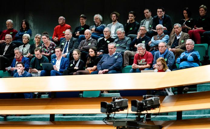 Zeeuwen op de publieke tribune tijdens het Tweede Kamerdebat over de voorgenomen verhuizing van de marinierskazerne in Doorn. ANP BART MAAT