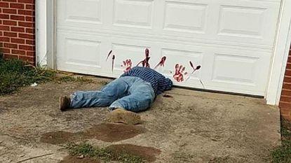Vroege en beangstigend levensechte Halloween-'decoratie' leidt tot ettelijke noodoproepen