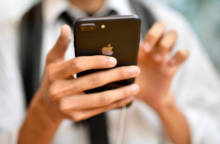 Bij de inbraak in de Deken Debolaan werden onder meer iPhones buitgemaakt.