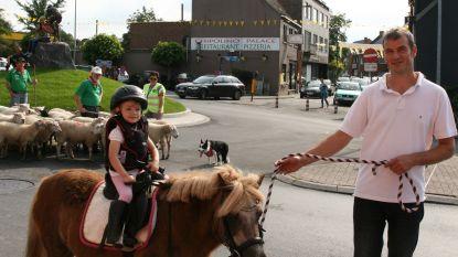 Paardenommegang in aanloop naar kermis