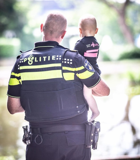 Nijmeegse agent Sander maakt veel emoties los met Vaderdagverhaal