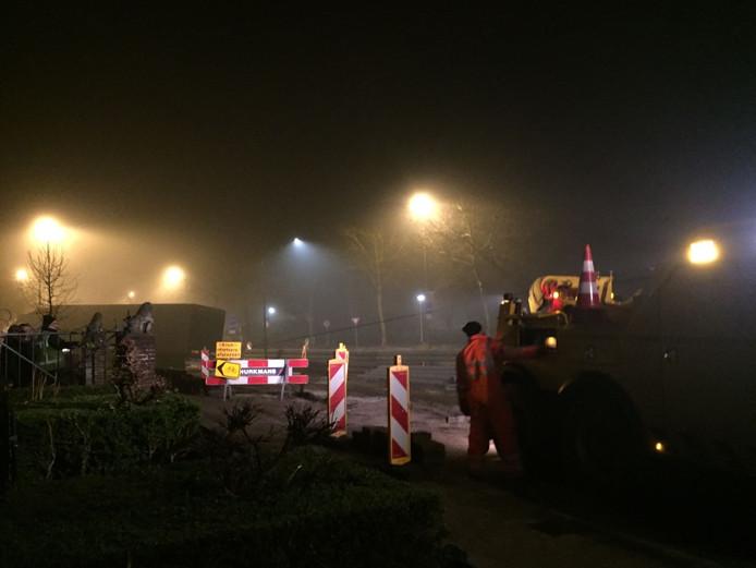 Vrachtwagen rijdt zich vast op Eindhovenseweg in Valkenswaard.