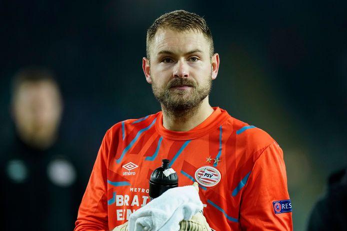Jeroen Zoet in actie namens PSV tegen LASK Linz.