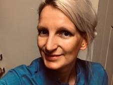 Isala-verpleegkundige Rebecca raakt gevoelige snaar met ode aan politie: 'Ze weten dat het leven klote kan zijn'