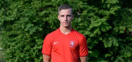 Aanvaller Schets van FC Twente op weg naar GA Eagles
