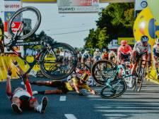 Negen dode wielrenners in vijf jaar, ontelbaar veel gewonden. Al voor ze vallen, zitten renners in de val