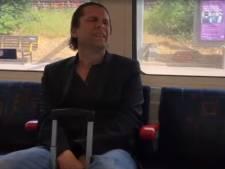 Hans Teeuwen verveelt zich kapot in de Engelse metro en Frans Bauer maakt nieuw album