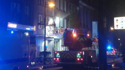 Brandweer evacueert gewonde op Bondgenotenlaan met ladderwagen