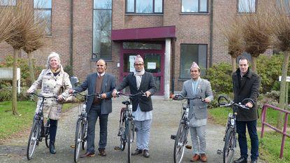 Gemeente zet Nepalese delegatie op de fiets