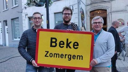 Oude gemeenteborden uit Zomergem brengen 2.295 euro op voor goede doel
