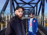Benni en YSF rapten met de burgemeester: 'Ik kan niet over bitches rappen en dan in pak naar kantoor gaan'