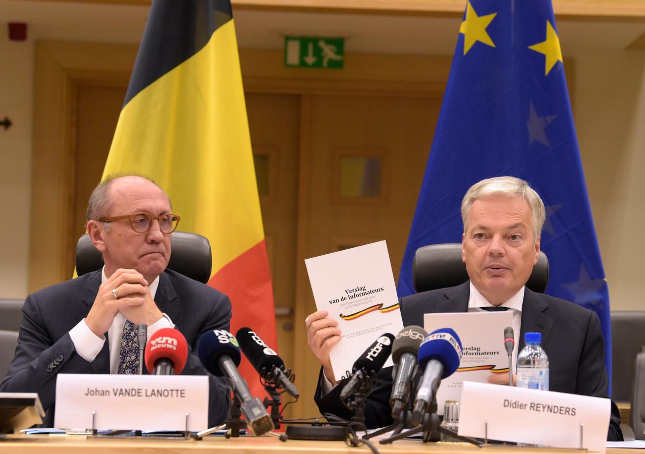 Les informateurs royaux Didier Reynders et Johan Vande Lanotte.