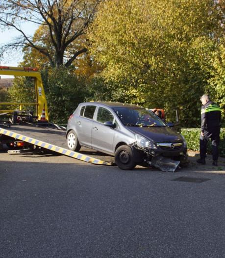 Automobilist raakt gewond nadat hij gaspedaal aanziet voor rem