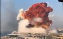 De enorme explosie in de haven van Beiroet.