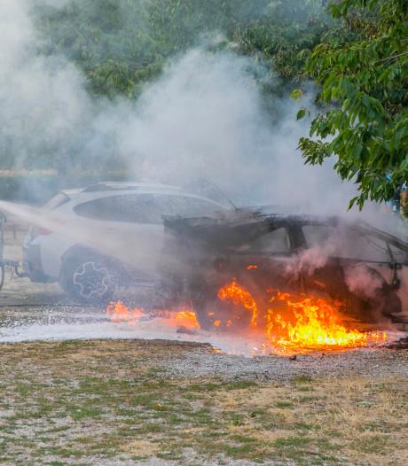 Auto brandt uit in Kilder