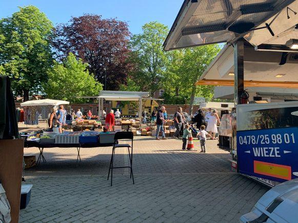 Eerste wekelijkse markt in Vilvoorde.