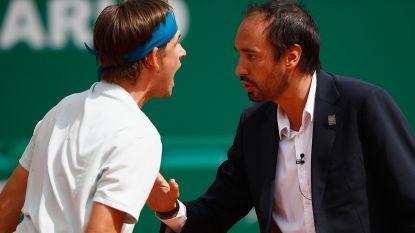 De nieuwe John McEnroe? Jonge Amerikaan gaat in Monte Carlo als een wilde tekeer tegen umpire