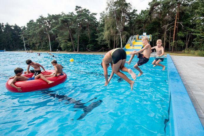 Waterpret in Aquapark de Zandstuve, zwembad Vroomshoop