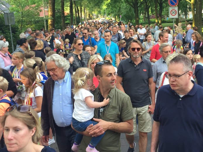 In de Avondvierdaagse in Berkel-Enschot lopen meer dan 1000 mensen mee