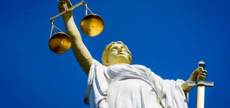 Horssenaar vrijgesproken van vervalsen asbestrapporten