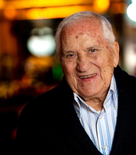 Elio Talamini (93) maakt zich grote zorgen: 'Binnenstad als gratis paskamer van  internet'