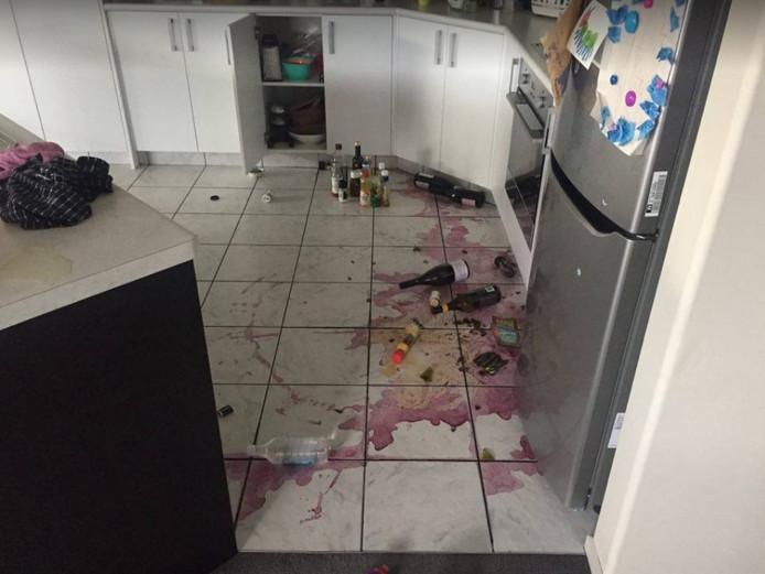 Bij Marieke zijn de flessen wijn uit de keukenkastjes getrild.