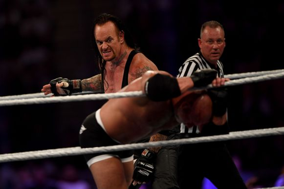 The Undertaker versus Goldberg.