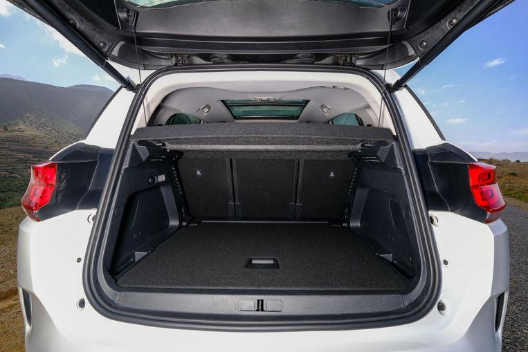 Met zijn maximaal 1.630 liter heeft de C5 een heerlijke, SUV-waardige achterbak Beeld
