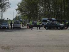 Grote verkeerscontrole op carpoolplaats A1 bij afslag Deventer