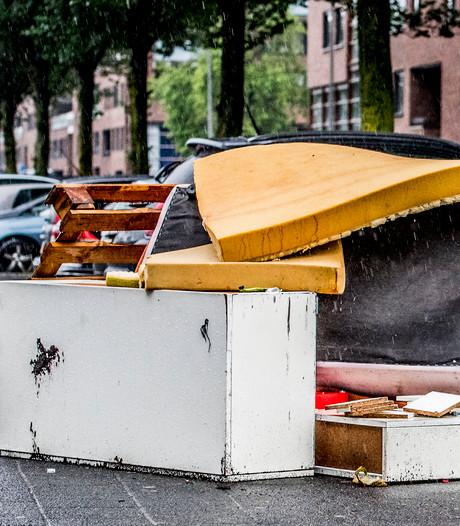 Extra handhavers voor dumpen afval bij ondergrondse containers