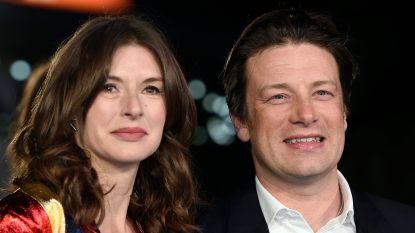 """Vijfde miskraam voor vrouw Jamie Oliver: """"Mijn familie wil niet dat ik nog zwanger word"""""""