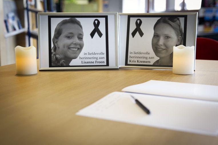 Het condoleanceregister voor de families van Lisanne Froon en Kris Kremers. Beeld ANP