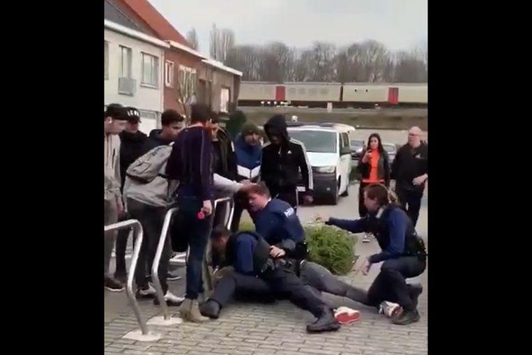 Op sociale media doken in februari heel veel beelden en filmpjes op van de rellen aan de schoolpoort.