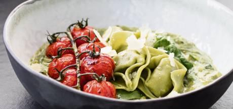 Wat Eten We Vandaag: Tortelloni met spinazie-ricottasaus
