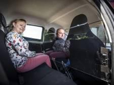 Poolse migranten gaan in beschermde Peugeootjes naar het werk in Twente