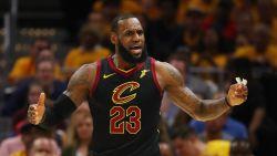 LeBron James breekt record met twaalfde verkiezing in NBA-team van het seizoen