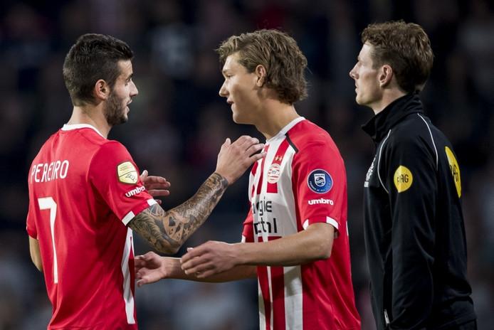 Sam Lammers maakt debuut voor PSV.