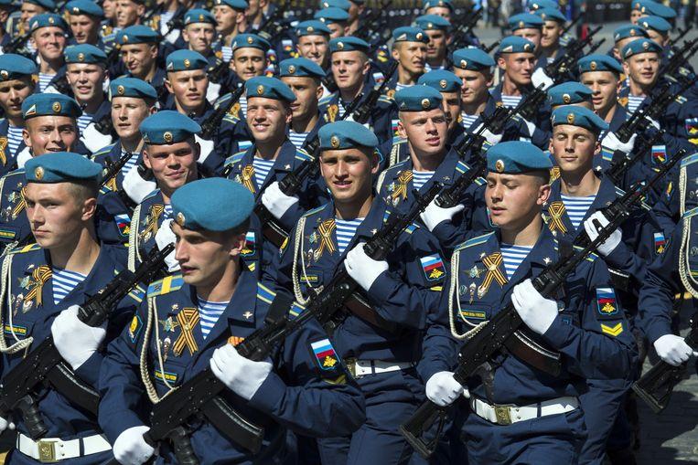 Rusland geeft miljarden uit om het leger te voorzien van geavanceerde wapens die zich kunnen meten met de Amerikaanse. Beeld AP