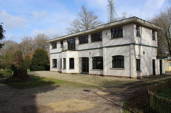 De Chalet Heldenpark in Eeklo staat leeg en zal nu verkocht worden.