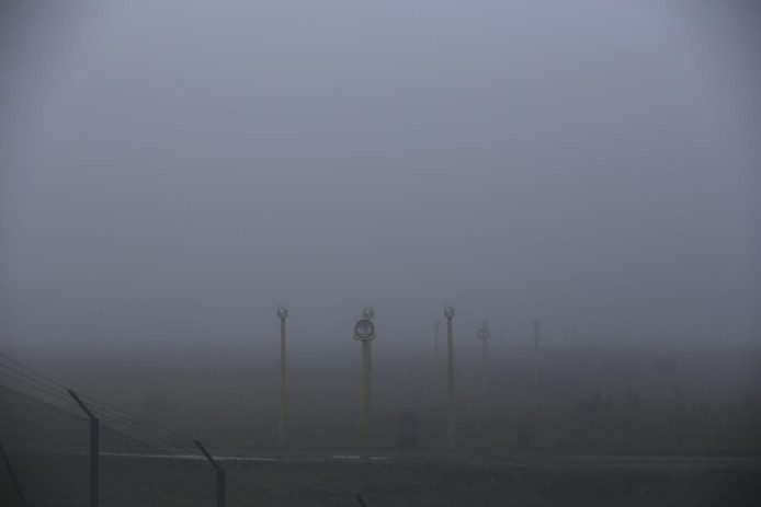 Dichte mist op Eindhoven Airport. Archieffoto.
