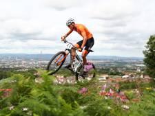 Van der Poel heeft zijn dag niet en stapt snel af op EK mountainbike