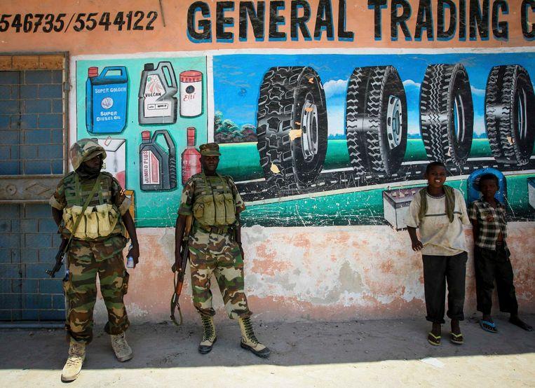 Oegandese soldaten van de interventiemacht Amisom van de Afrikaanse Unie in Somalië, eind januari 2013 in de hoofdstad Mogadishu. Beeld reuters