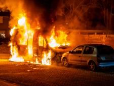 Camper volledig verwoest door felle brand in Oosterhout