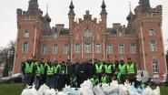 Ahmadiyya Moslim Gemeenschap kuist de straten op tijdens nieuwjaar