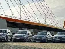 Duitse autobouwers proberen hun auto's te verkopen aan Duitsers met plaatjes van Rotterdam